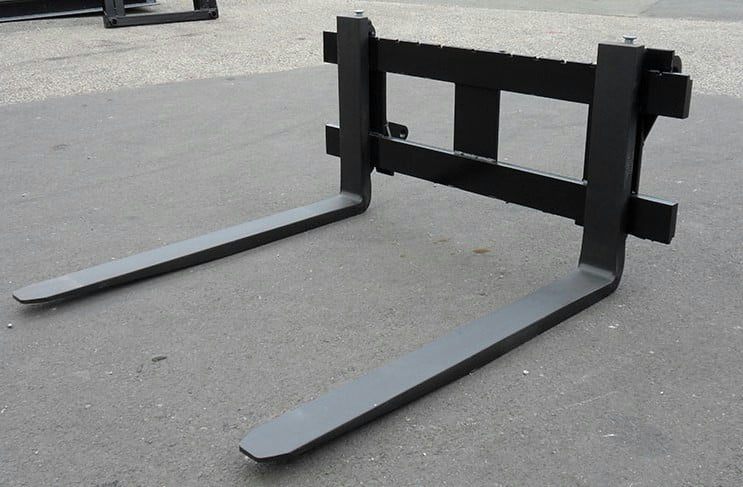 Pallet Forks 4' Class 2 (1100mm) 2