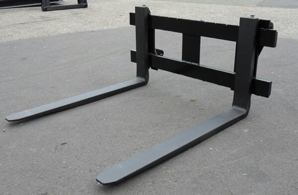 Pallet Forks 4' Class 2 (1200mm) 1