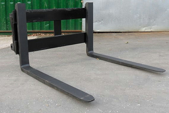 Pallet Forks 4' Class 3 (1100mm) 2